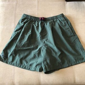 Women's Columbia size Large Active Shorts